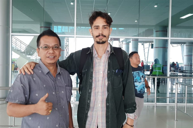 Parlin Bayu Hutabarat of Pakpahan Hutabarat Law Office with Philip Jacobson at Palangkaraya's Tjilik Riwut Airport on January 31, 2020