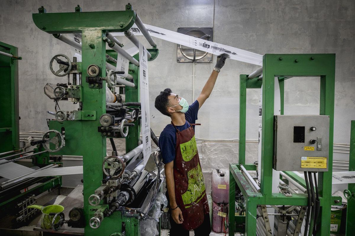 Inne i Avani Eco fabrik som har produktion på Bali