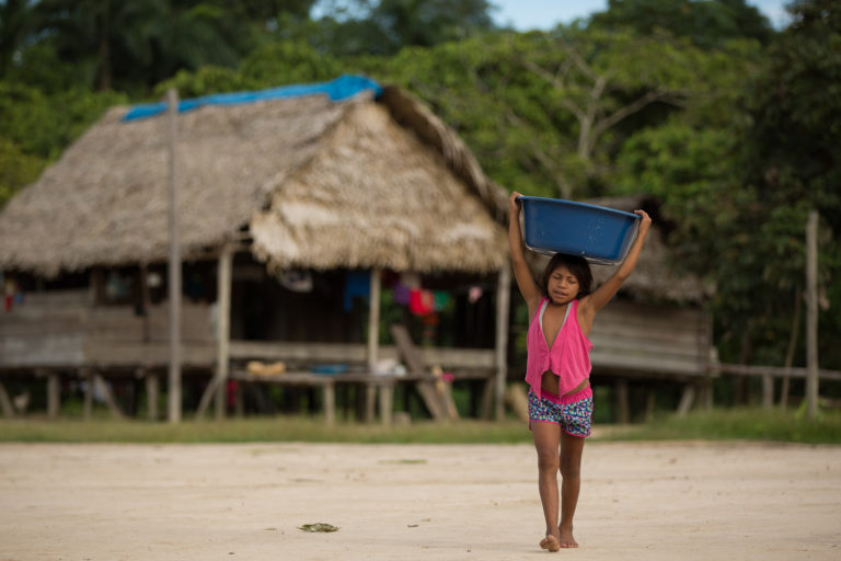 Kanamari indigenous child in Vale do Javari, in Amazonas state, one of the most vulnerable indigenous reserves to COVID-19, according to an analysis by the Socioenvironmental Institute (ISA), a Brazilian NGO. Image by Bruno Kelly/Amazônia Real