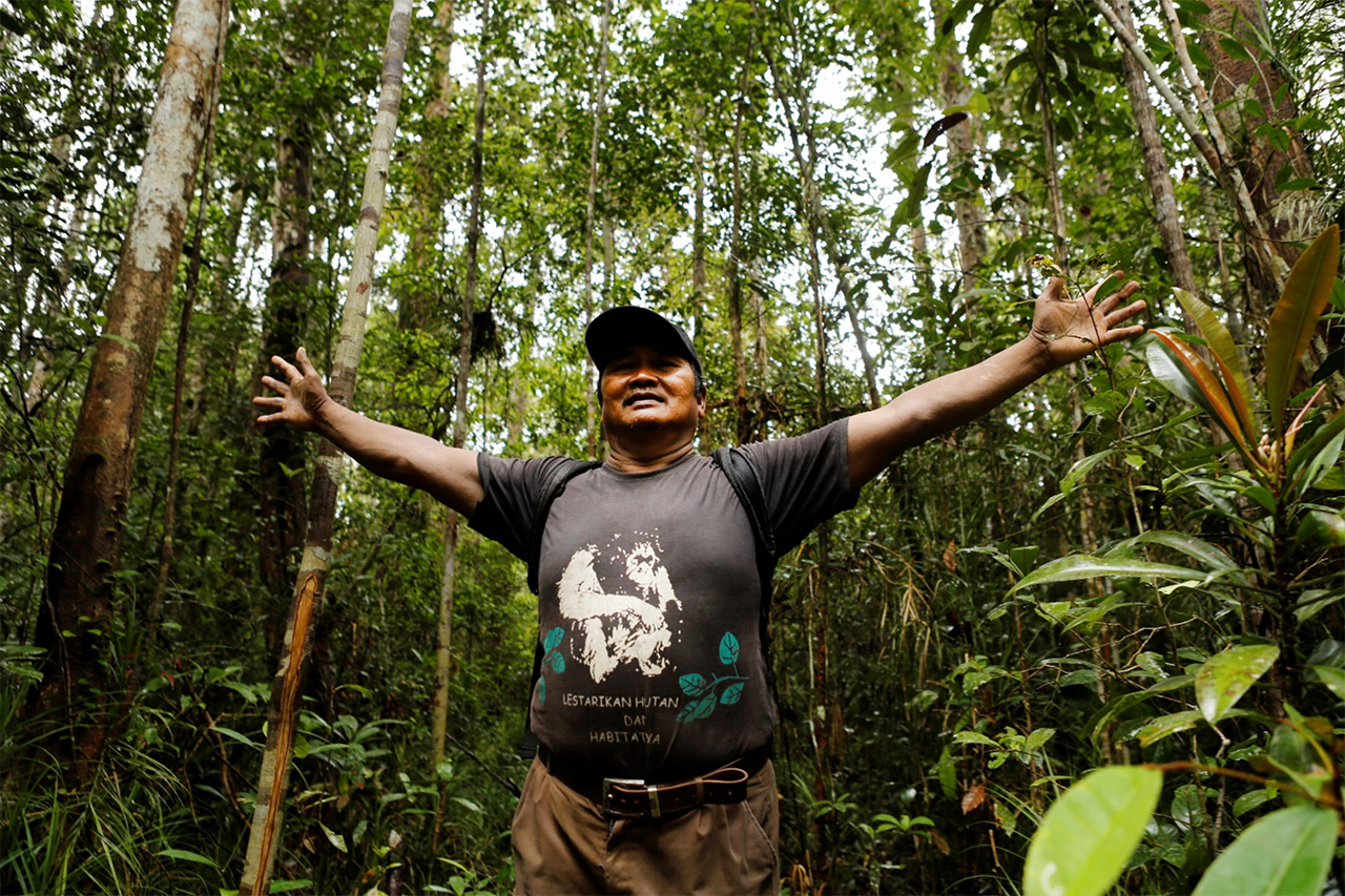 Yohanes Terang in his beloved forest. © Titayanto Pieter