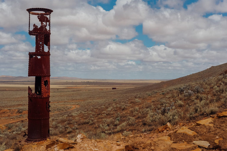 An arid landscape from the remains of the Waukaringa Gold Mine site in Flinders Ranges, South Australia. Image by Ian Hill/Flickr.