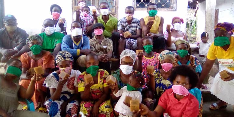 In Nyambong village in the Cameroon center region, forest communities wearing masks to prevent COVID-19. May 2020. Image courtesy of Synaparcam