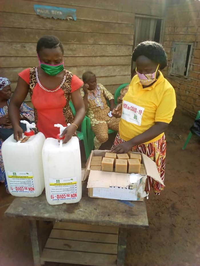 Women of the female branch of Synaparcam, ready to distribut masks, soap and plastic water containers for hand-washing to the remote communities living in Nyambong village in Cameroon. May 2020. Image courtesy of Synaparcam.