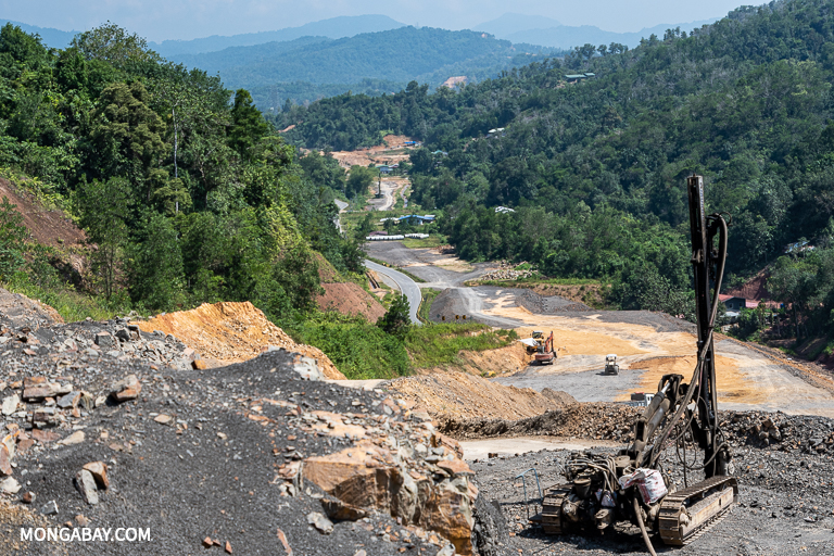 Construction for a realignment of the existing road in Sabah near the capital of Kota Kinabalu. Image by John C. Cannon/Mongabay.