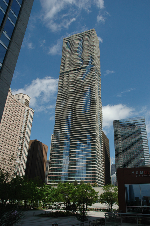The designer of Chicago's Aqua Tower incorporated bird-safe design. Image courtesy of Tim Beatley.