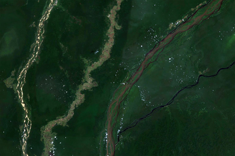 Likouala Aux Herbes, Ubangi, Congo, and Lulonga Rivers. Courtesy of Microsoft Zoom.Earth
