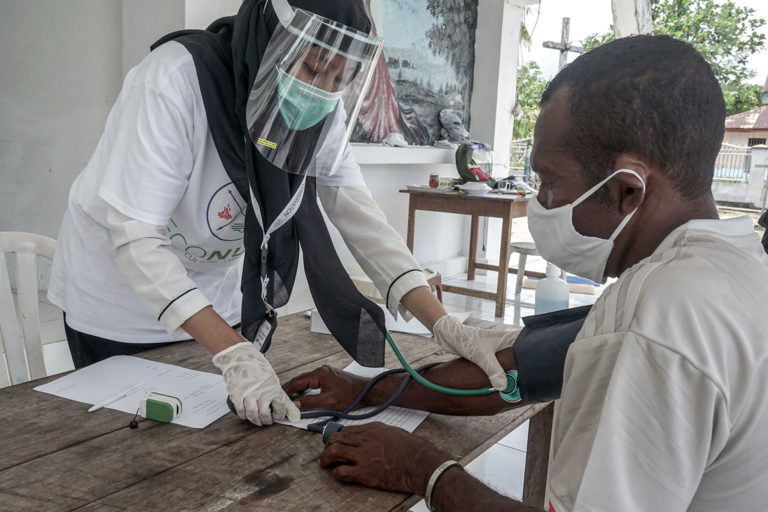 EcoNusa has brought doctors to remote communities in Eastern Indonesia to help combat COVID-19. Photo credit: EcoNusa