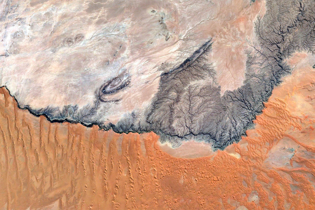 The Kuiseb River on the border of the Hardap and Erongo regions in Namibia in 2014. Courtesy of NASA.