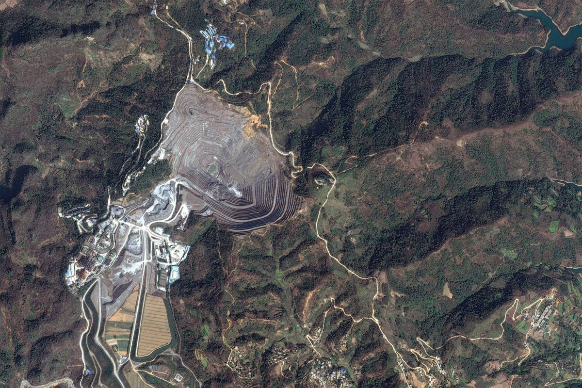 Satellite image of Jinfeng Gold Mine. Photo credit: Maxar.