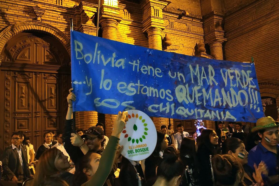 Environmental activists protesting deforestation in Santa Cruz, Bolivia. Photo credit: El Llamado del Bosque