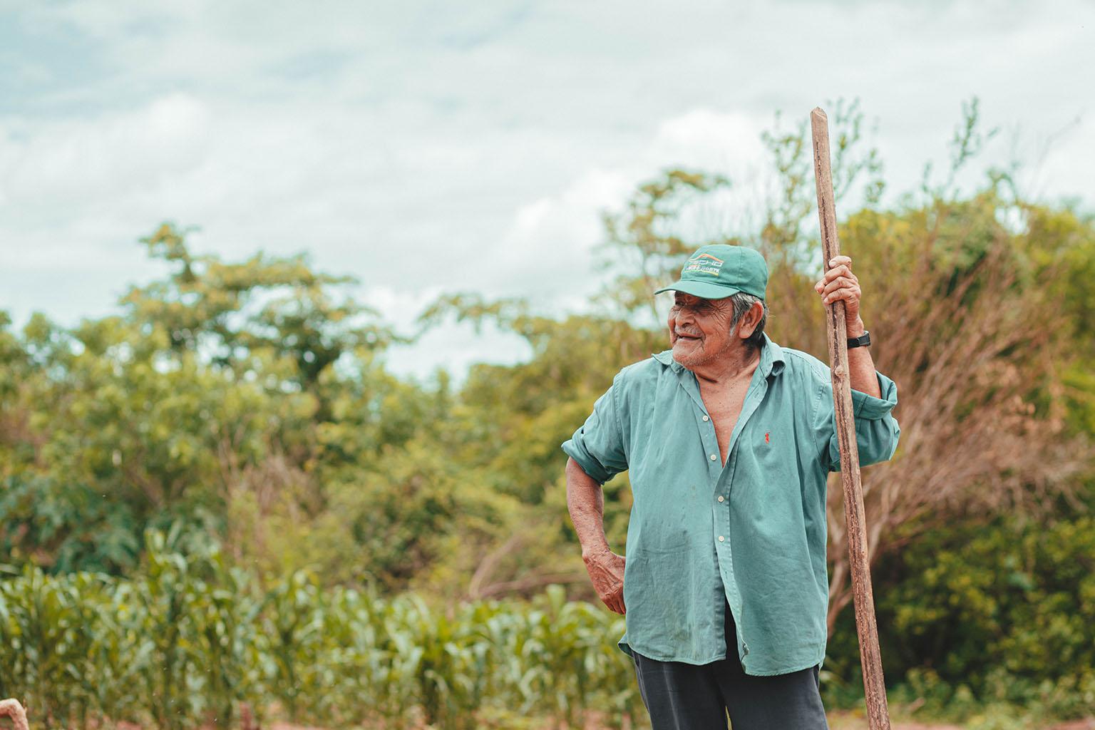 Don Pedro replanting at Peniel, Robore, Bolivia. Photo credit: Adro Mollina