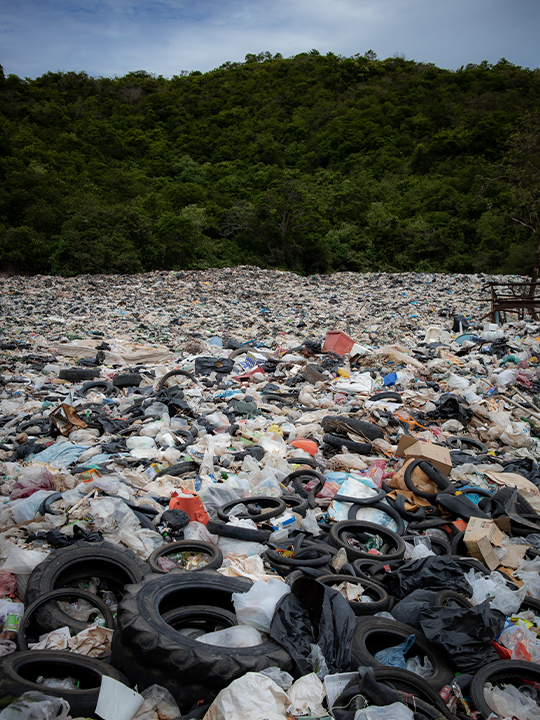Garbage in Pattaya, Thailand. Major global recipients of plastic waste included Turkey, Malaysia, Vietnam, Thailand and Mexico. Image by Leonid Danilov via Pexels.