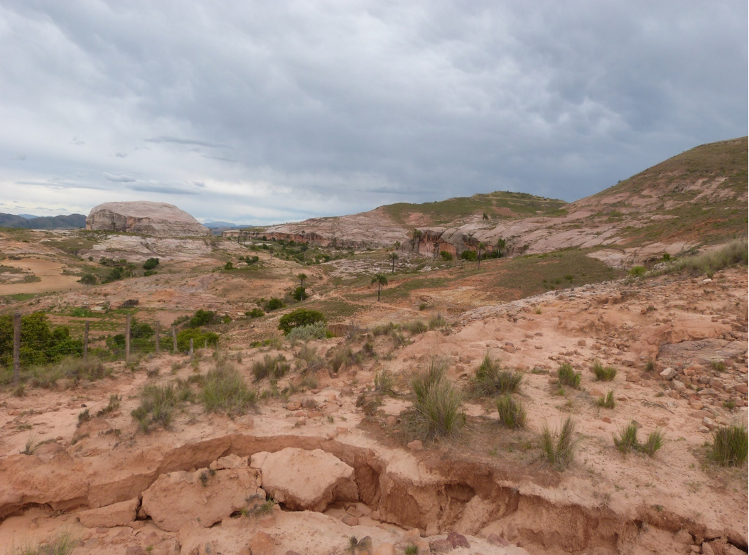 Erosion along a dry stream bed in El Palmar. Image by Claire Wordley.