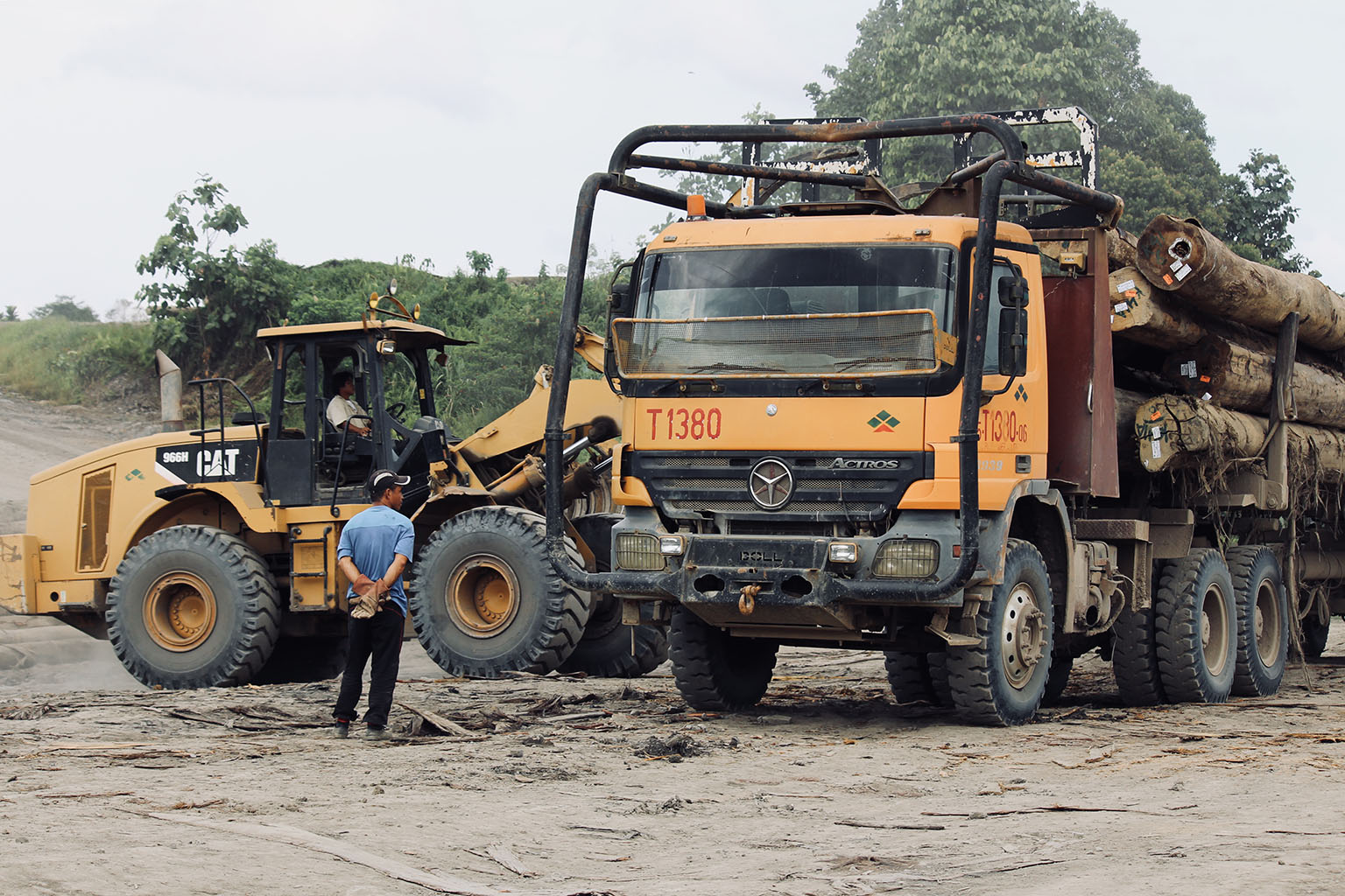 Samling logging trucks in the Baram region in July 2018. Photo credit: Fiona McAlpine of The Borneo Project