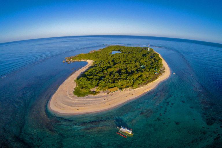 Parc naturel de l'île d'Apo et du récif d'Apo