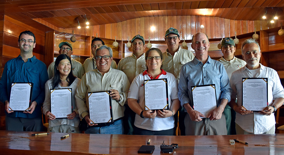 The signing ceremony was for Patrimonio Natural del Perú or Peru's Legacy, the project financing for permanence agreement that close in May 2019. Photo credit: Jeffrey Davila / WWF