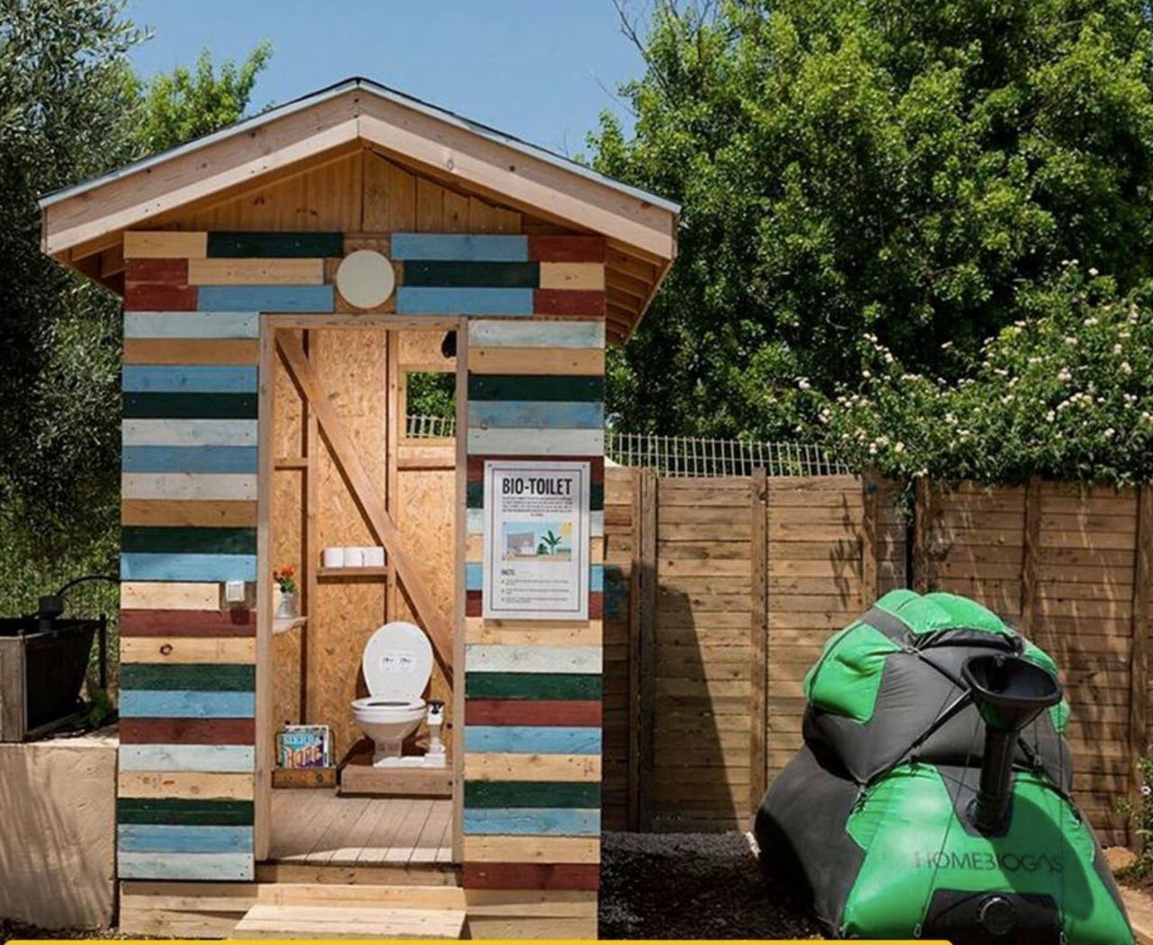 A HomeBiogas biotoilet