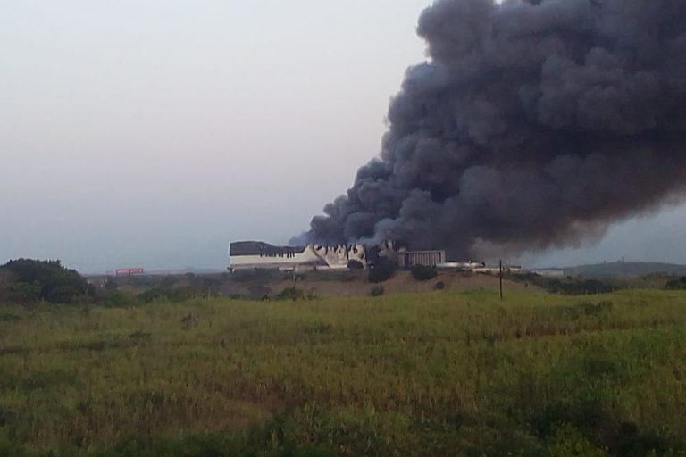 UPL chemical warehouse on fire outside Durban, South Africa. Image by Sbonelo Dlamini.