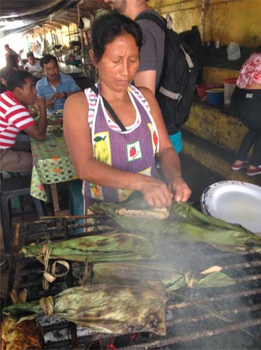 Typical Waorani food includes baked fish in banana leaf – not the Western food that prisoners were served in prison. Photo credit: Veronica Goyzueta.