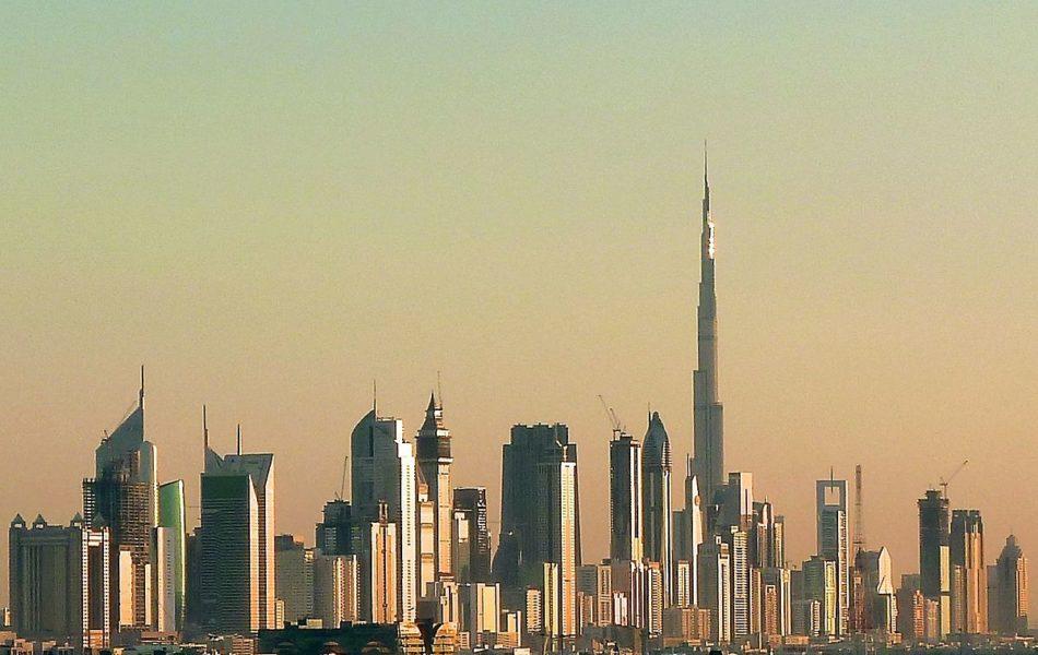 1200px-Dubai_skyline_2010