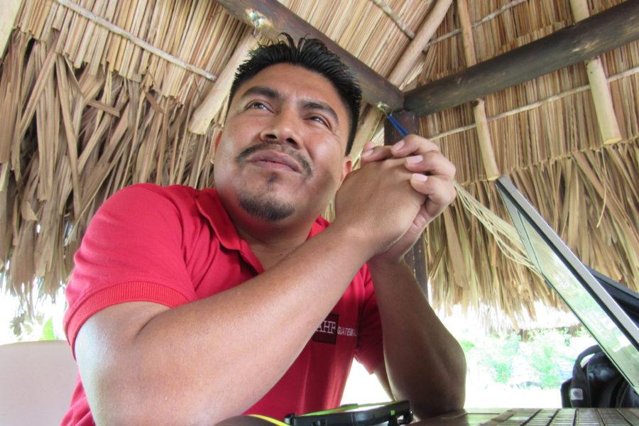 Saúl Paau, líder comunitario de Sayaxché, presiona para que REPSA clausure definitivamente sus operaciones. Este mes de febrero posiblemente lleve a juicio a esta empresa de palma africana. Foto cortesía de Carlos Chávez.