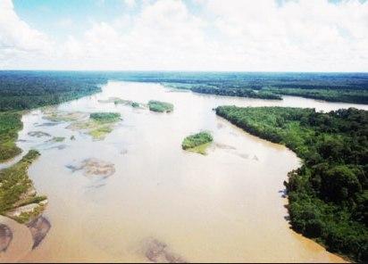 Las turberas con mayor almacenamiento de carbono se encuentran alrededor del río Pastaza y el río Marañón. En la imagen vemos al río Pastaza en la región de Loreto. (Fotografía: Inforegion.pe)