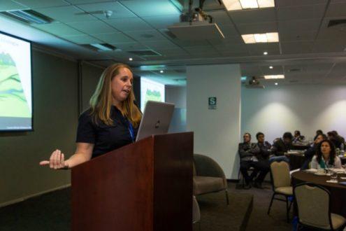 Dra. Elizabeth Anderson, Directora de Programas Internacionales de Investigación en la Escuela de Ambiente, Arte, y Sociedad de la Universidad Internacional de Florida. (Fotografía: WCS)
