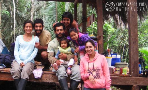 La familia Butrón es la administradora y fundadora de la ACP 'Palmonte'. Fotografía: Conservamos por Naturaleza/SPDA.