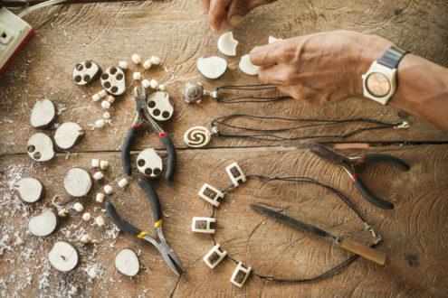 Pese a la labor de conservación, Carlos no abandona su vocación artística. Fotografía de Adrián Portugal.