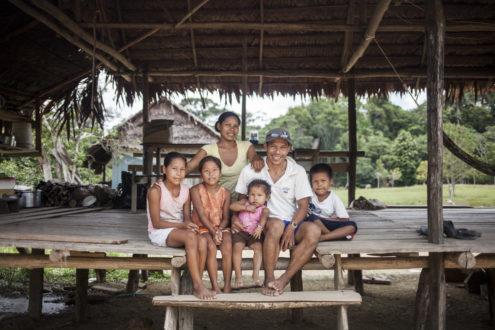 La familia de Carlos Caramatari. Fotografía de Adrián portugal.