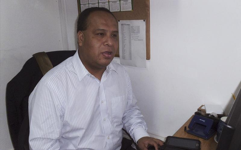 Juan José Quispe, abogado defensor de los acusados indígenas del IDL. Fotografía de IDL Radio.