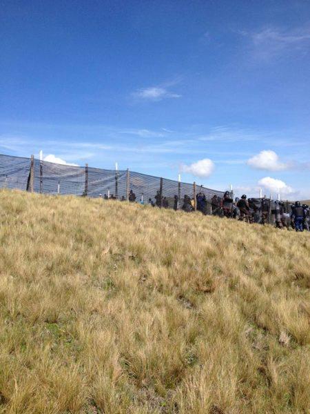 Ingreso de seguridad privada de la minera Yanacocha al predio de Máxima Acuña. Fotografía de Mirtha Vásquez, abogada de la lideresa ambiental.