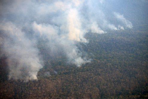 Impresionante vista del área en la que se registra el incendio. Foto de la Municipalidad distrital de Río Tambo