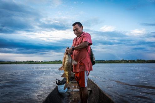 Los pueblos indígenas se abastecen con los productos que cultivan o que obtienen de los ríos. Foto: Archivo Mongabay Latam.