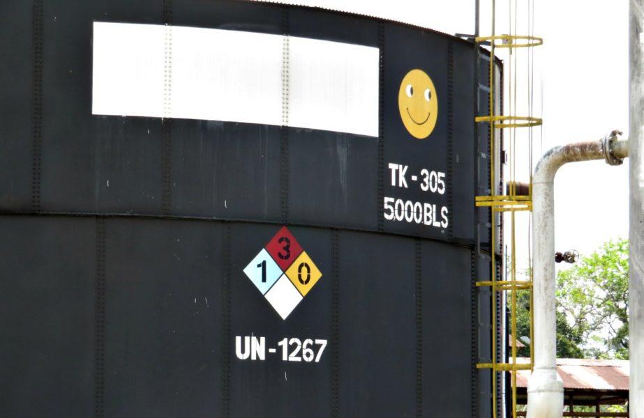 Un pozo de petróleo de la Estación Andoas. Fotografía de Milton López.