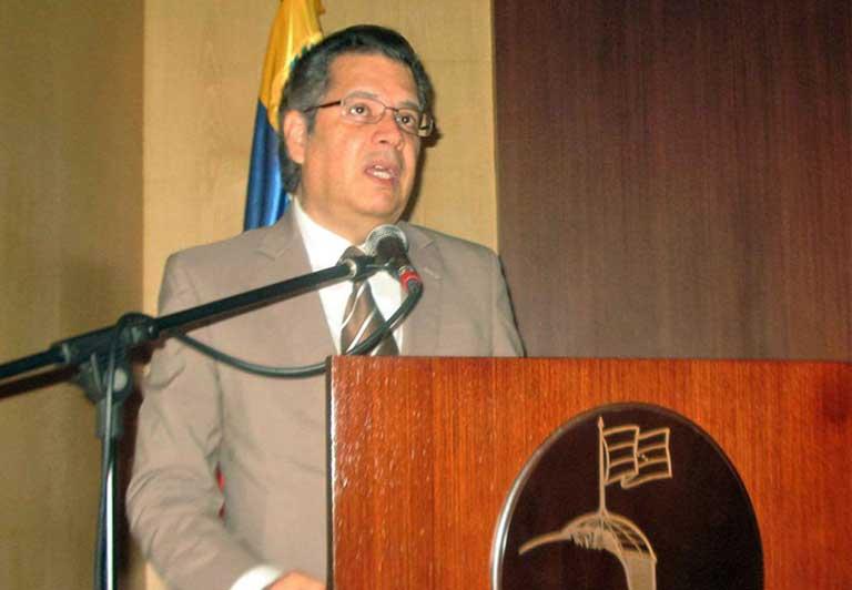 juan-carlos-sanchez-2007-nobel-prize