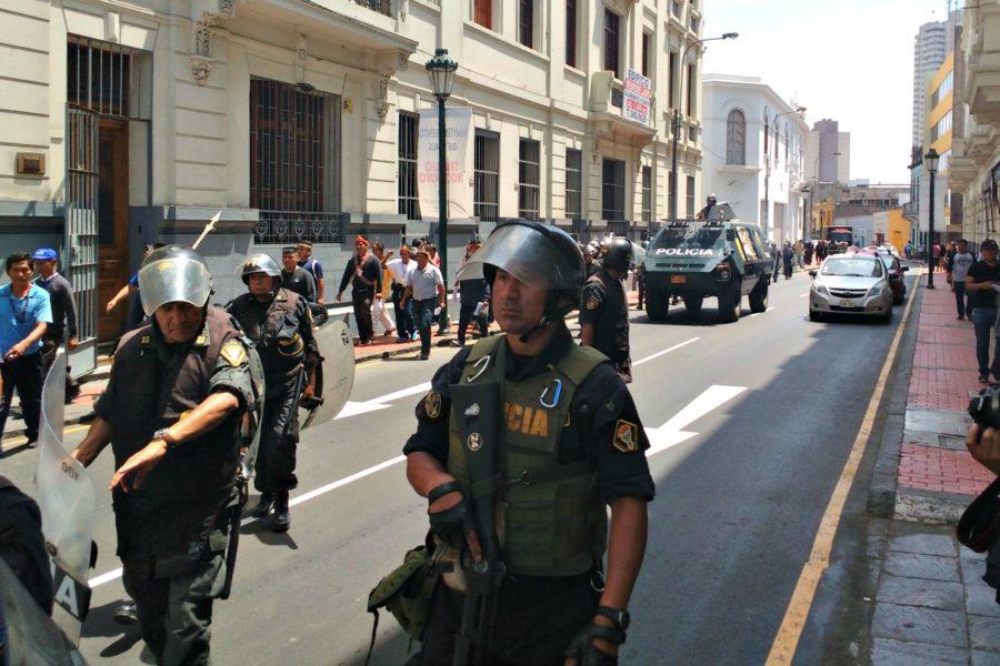 Protesta de los líderes indígenas en las calles de Lima. Foto: Milton López Tarabochia.