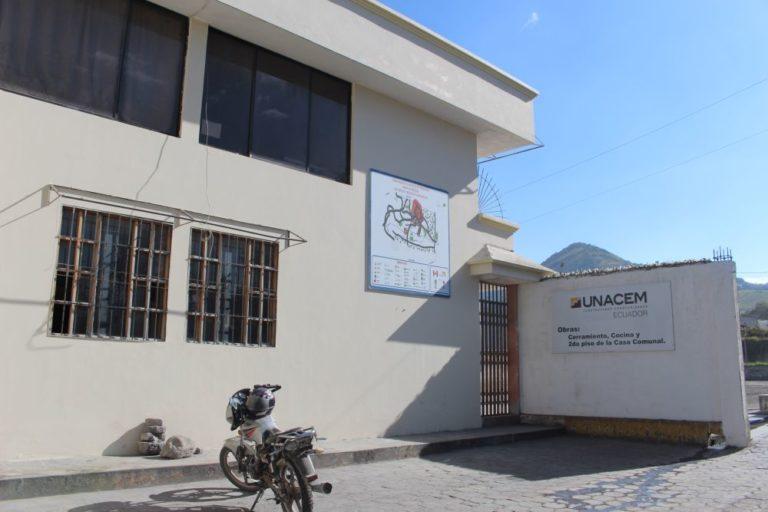 La casa comunal de Perugachi fue construida por Unacem. Es una de las obras de compensación que presenta la empresa. Foto de Alfonso de la Torre.