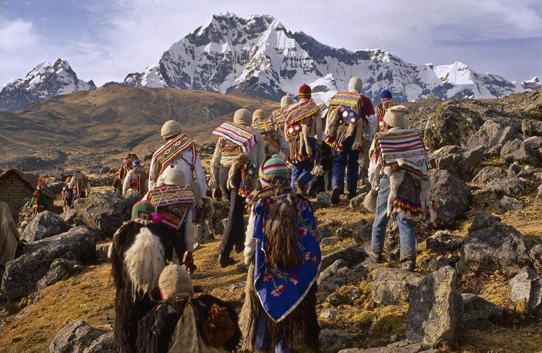Ausangate. Salida de la Comunidad de Pachanga rumbo a la fiesta del Qoyllur Rití. Foto: Cortesía Thomas J. Mueller.