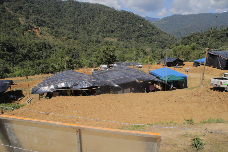 Campamento minero de la empresa china ECSA (Ecuacorriente) en la comunidad de Nankintz. Foto: Braulio Gutiérrez.
