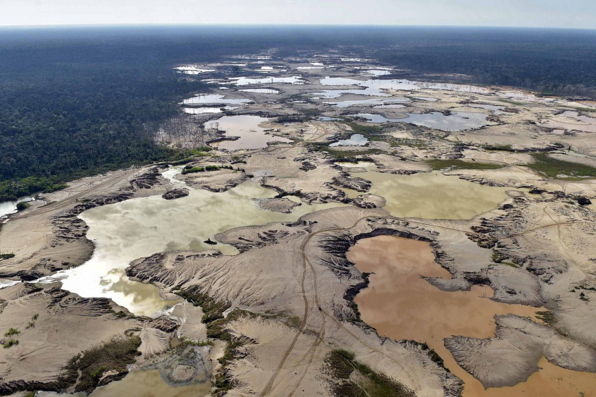 Zona de amortiguamiento de la Reserva Nacional de Tambopata afectada por la minería ilegal. Foto: Ministerio del Interior (Mininter).