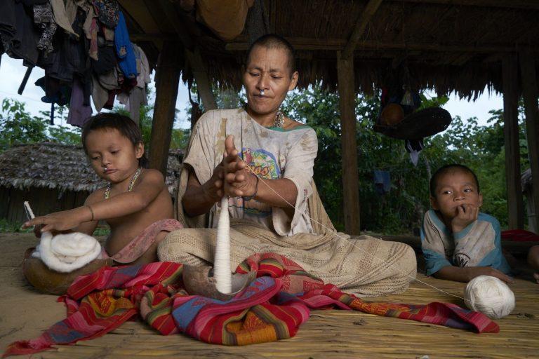 Pueblo indígena matshiguenga. Foto: Thomas J. Müller.