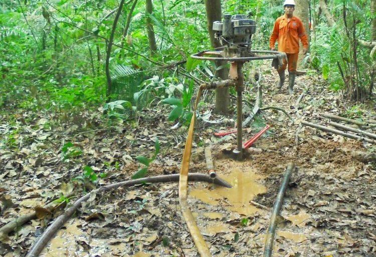 El pueblo Cavineño reclama por los daños ocasionados por los trabajos de exploración de empresa de hidrocarburos. Foto: OMINAB