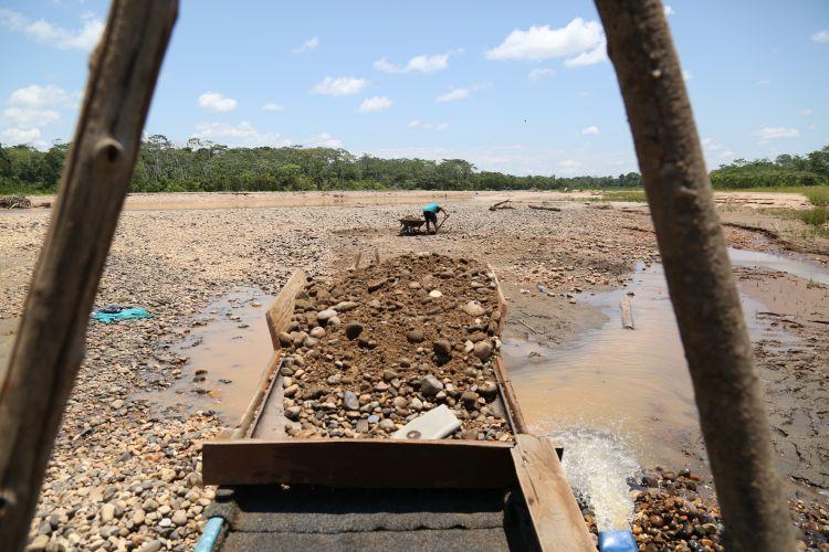 La deforestación en La Pampa alcanzó avanza hacia las concesiones forestales y al interior de la zona de amortiguamiento de la Reserva Nacional Tambopata. Foto: Sociedad Peruana de Derecho Ambiental.