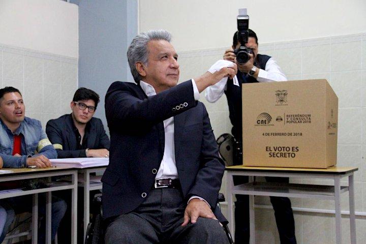 photo image Ecuador votes to reduce oil exploitation in Yasuní National Park