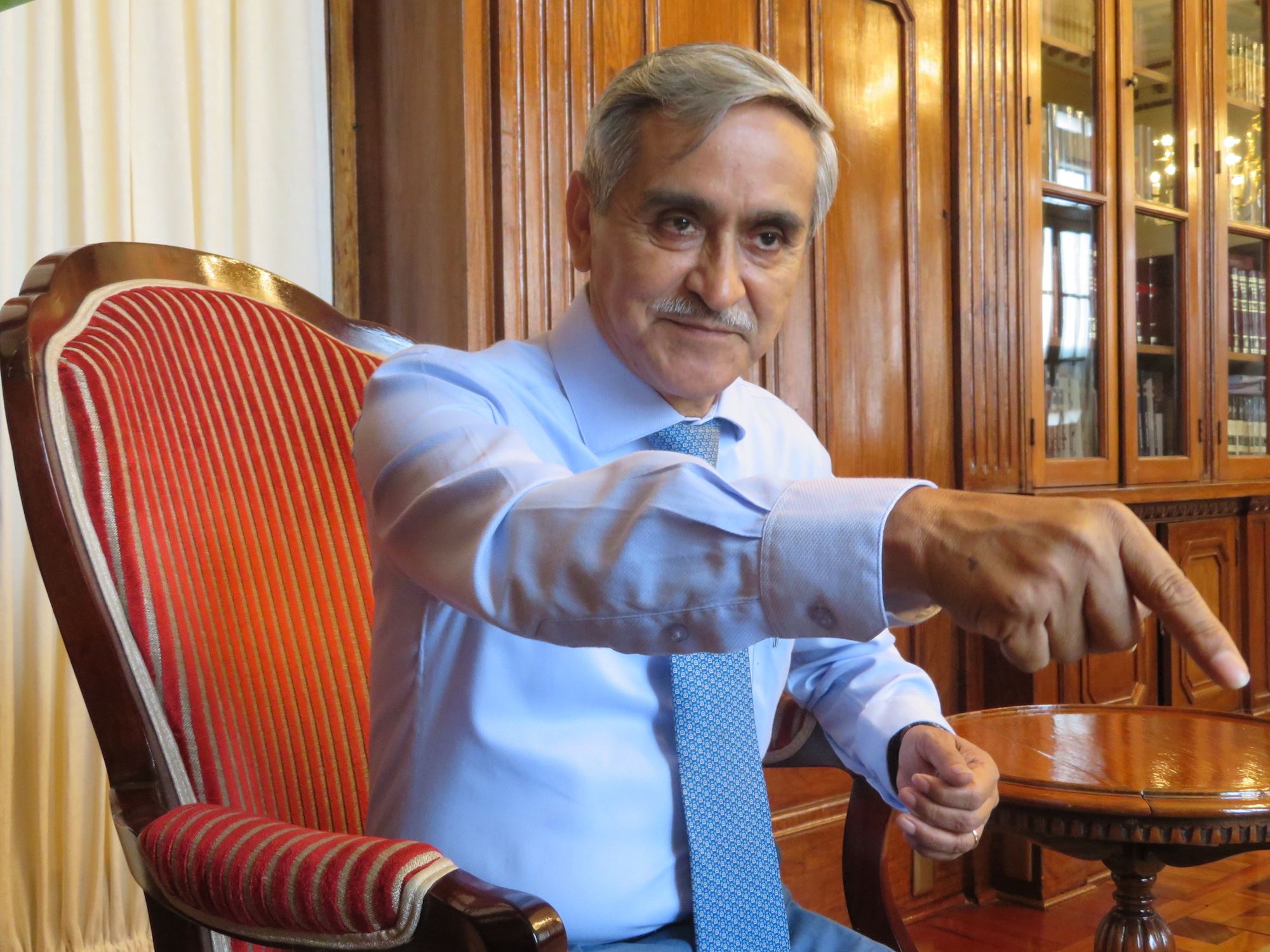 El presidente del Poder Judicial, Duberlí Rodríguez, asegura que las amenazas no lo detendrán en su defensa del medio ambiente. Foto: Alexa Vélez Zuazo.