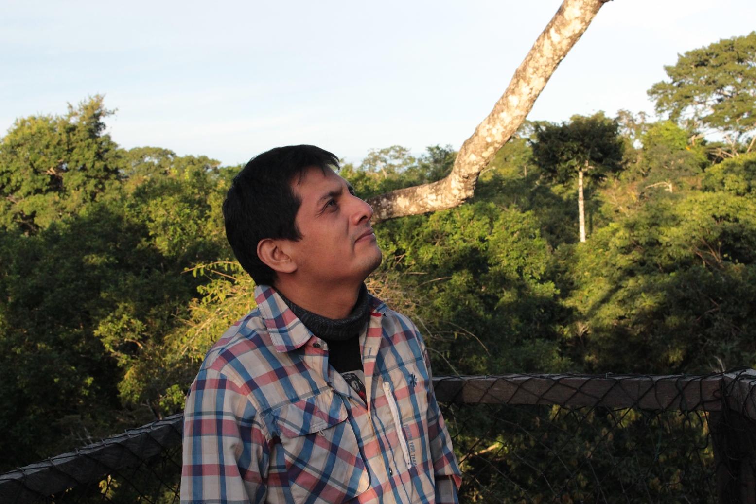 José Luis Mena, director de Ciencia de WWF Perú, lidera un equipo que investiga a los mamíferos de la Amazonía peruana. Foto: WWF