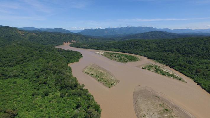 Vista aérea de una de las zonas del Área Natural Río Grande (ANMI) Valles Cruceños que quedará bajo el agua, en la comunidad Vado del Yeso, municipio de Vallegrande. Foto: Eduardo Franco Berton