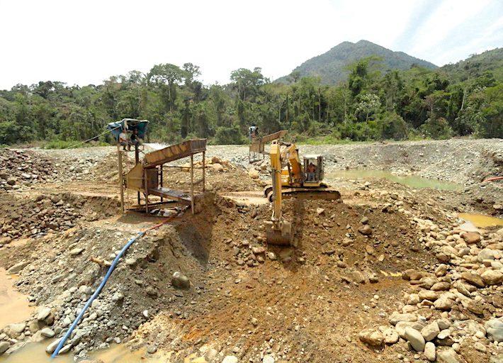 La minería ilegal está arrasando con los bosques de Camanti. Foto: Serfor Cusco.