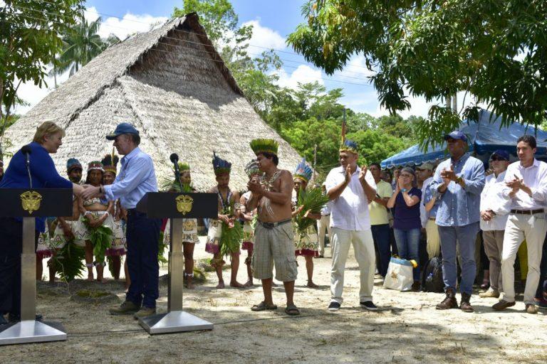 El presidente colombiano Juan Manuel Santos y laPrimera Ministra de Noruega Erna Solberg se reúnen en Leticia (Amazonas,Colombia).